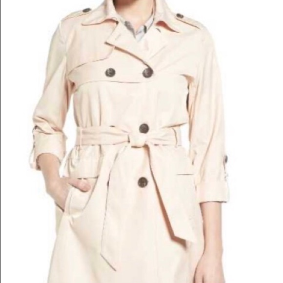 Vince Camuto Jackets & Blazers - Vince Camuto gunflap trench coat NWOT